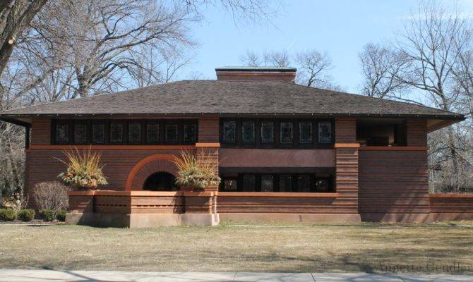 Annette Gendler Touring Frank Lloyd Wright Historic District