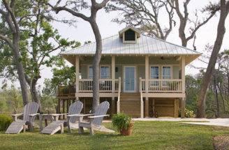 Beach Style House Plan Beds Baths Exterior