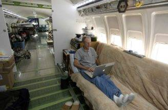 Bruce Campbell Turned Boeing Airplane Into Home Business Insider