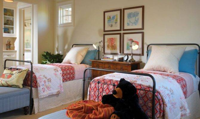 Cape Cod Style Bedroom Twin Beds Cottage Kids