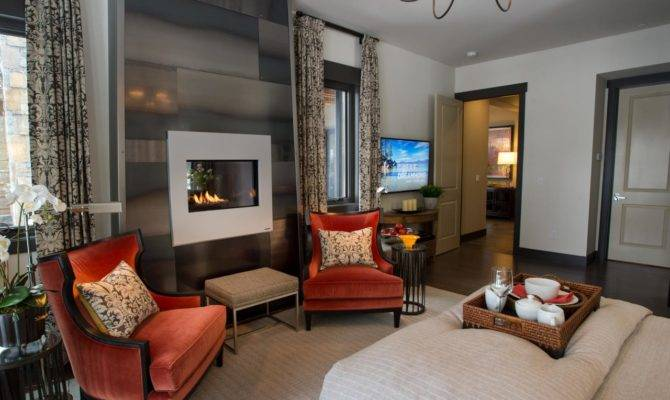 Master Bedroom Epp Toward Fireplace