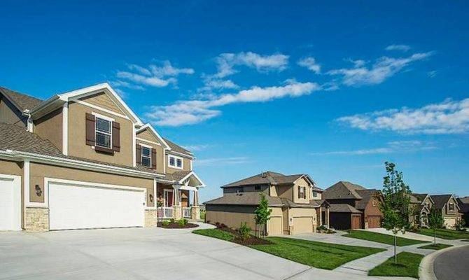 Midwest Residential Communities Featuring Homes Fall Parade