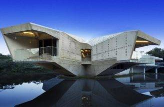 Modern Home Designs Fantastic Self Sustaining Homes Design Lake