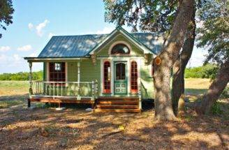Painted Lady Victorian Tiny House Exterior