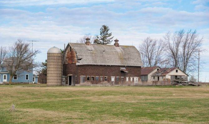 Panoramio Old Country Farm