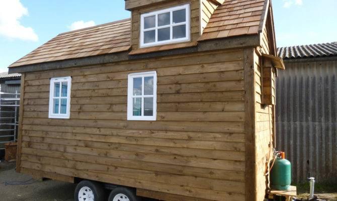 Solar Powered Tiny House Swoon
