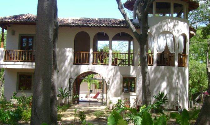 Spanish Colonial Style House Surf Homeaway Tola