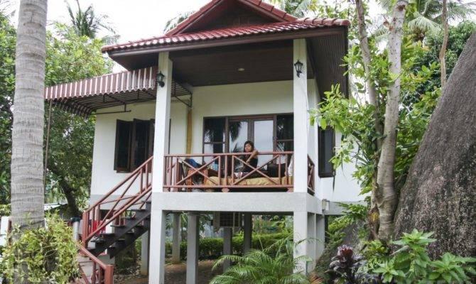 Stilt Houses Designed Avoid Flooding Accommodate High Tide