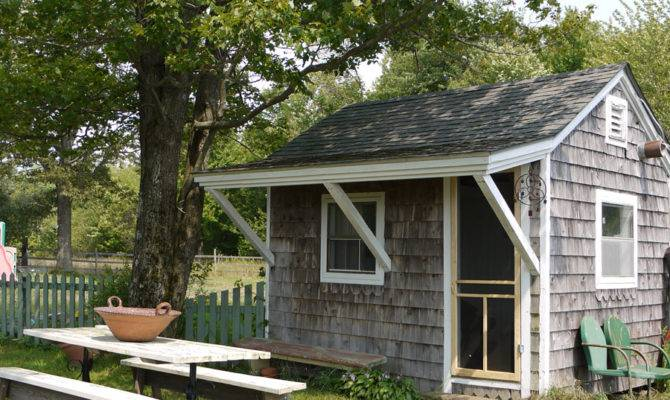 Tiny Shed Turned Guest House Swoon