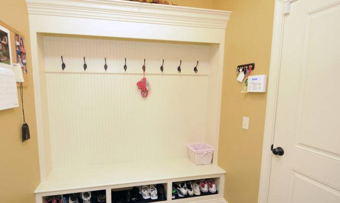 Woodworking Mudroom Storage Bench Ideas Pdf