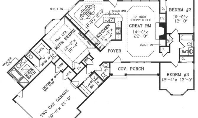 Angled Country Ranch Floor Master Suite
