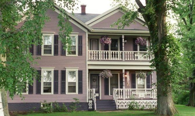Attractive Classic Home Victorian Front Porch Design