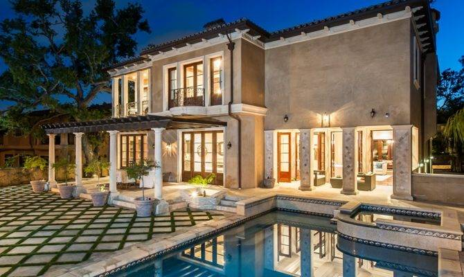 Back Post Modern Mediterranean Home Beverly Hills