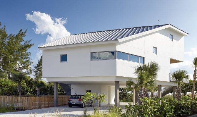 Beachfront House Built Poured Concrete Withstand