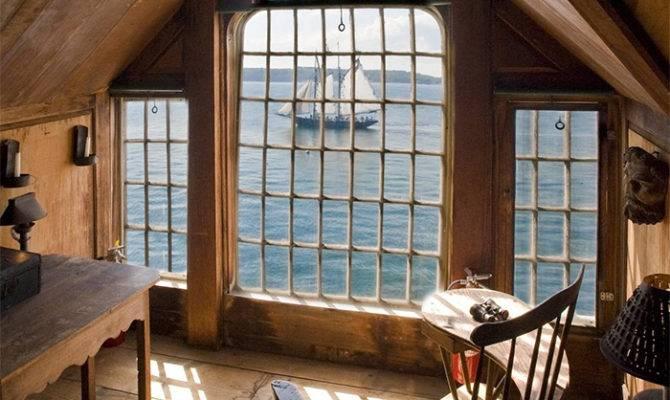 Beautiful Attic Room Cape Cod