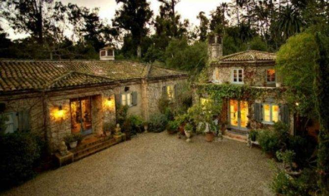 Beautiful Farm House Century Style Digsdigs