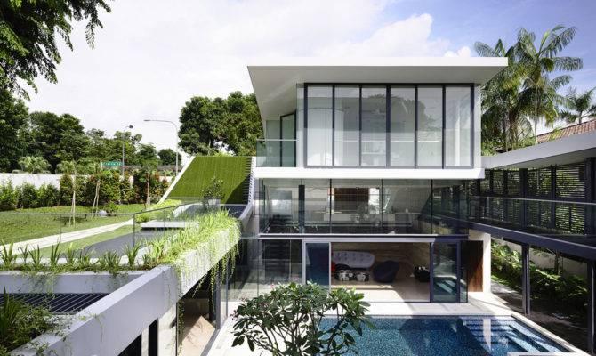 Beautiful House Courtyard Swimming Pool