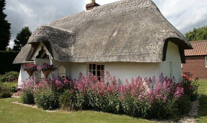 Beautiful Thatch Roof Cottage House Designs