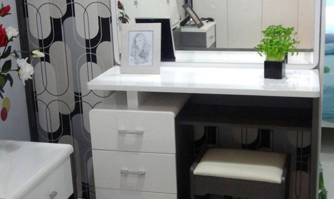 Bedroom Vanities Lights Fresh Bedrooms Decor Ideas