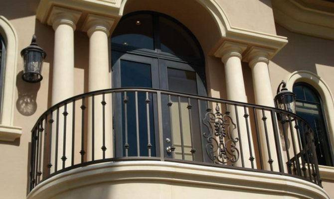 Benedetina Home Balcony Design
