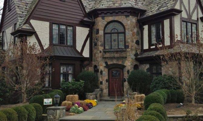 Best Tudor Style Architecture Details