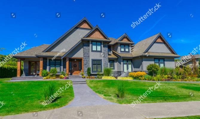 Big Custom Made Luxury House Nicely