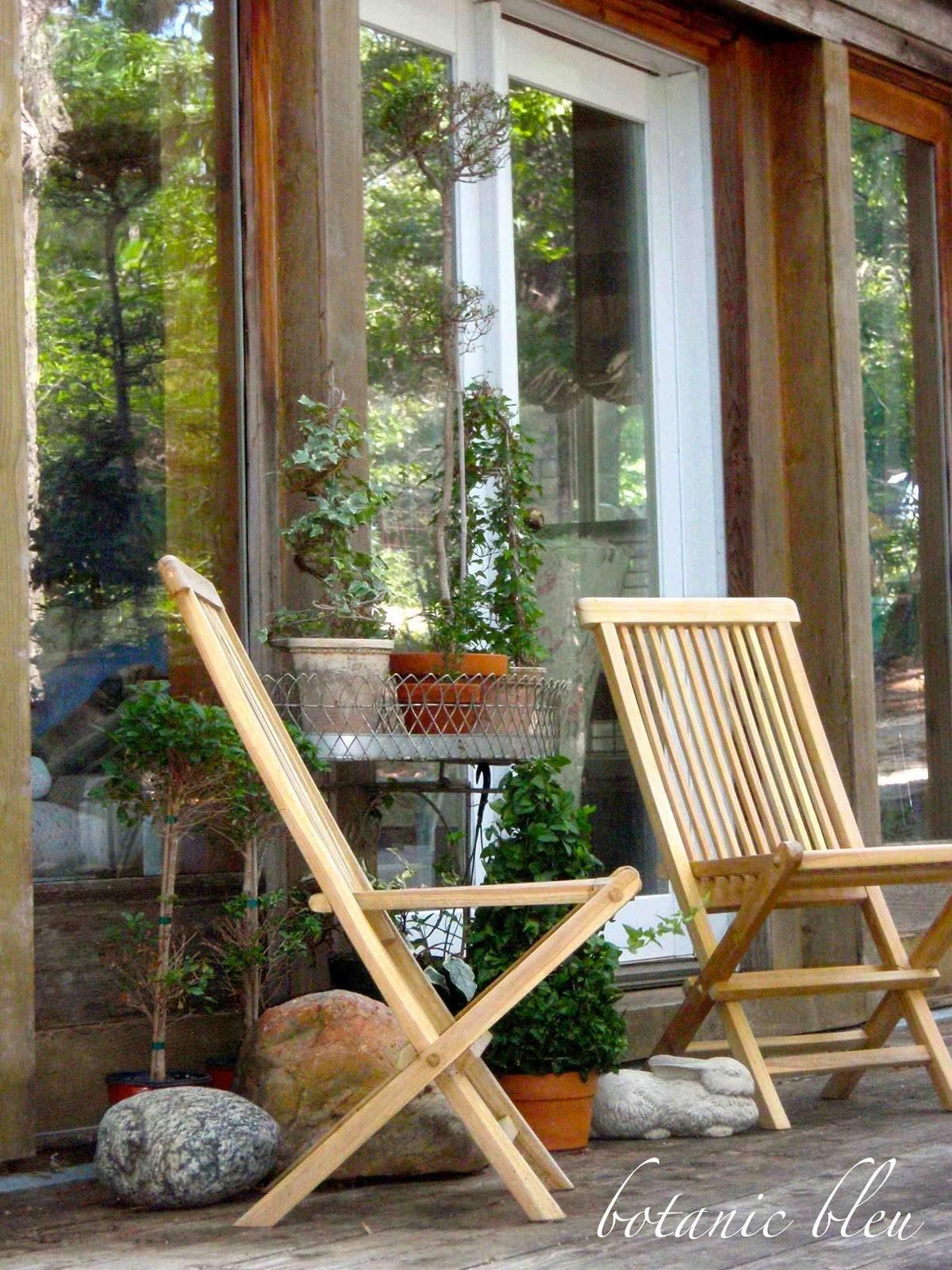 Botanic Bleu French Country Style Deck