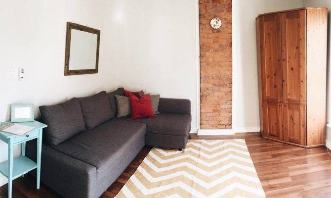 Bright Cozy Second Story Apartment Near Downtown