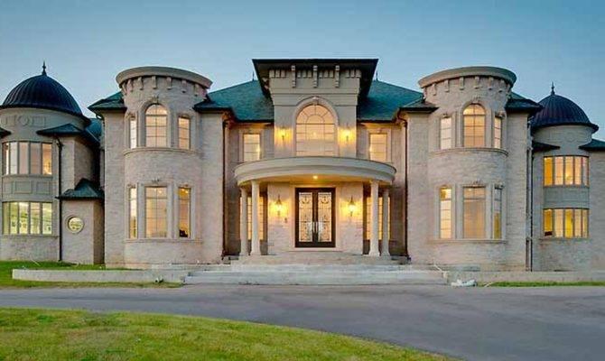 Building Luxury Good Mediterranean Modern Stucco Homes