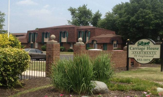 Carriage House Apartments Princeton Management Llc