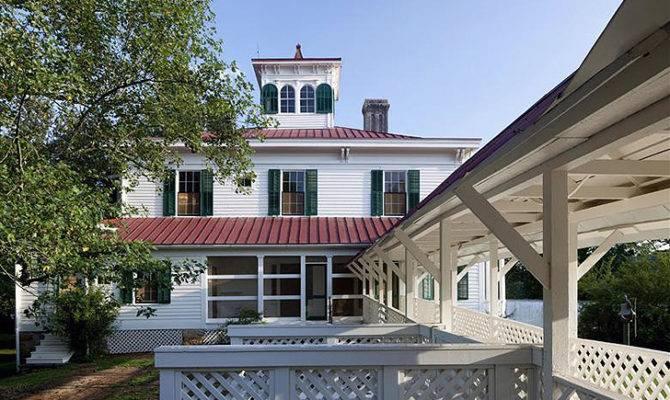 Century Georgian Farmhouse Gets Leed Gold Renovation