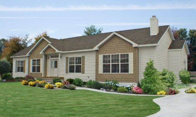Check Out Curb Appeal Commodore Ranch Style Home Offers Nice