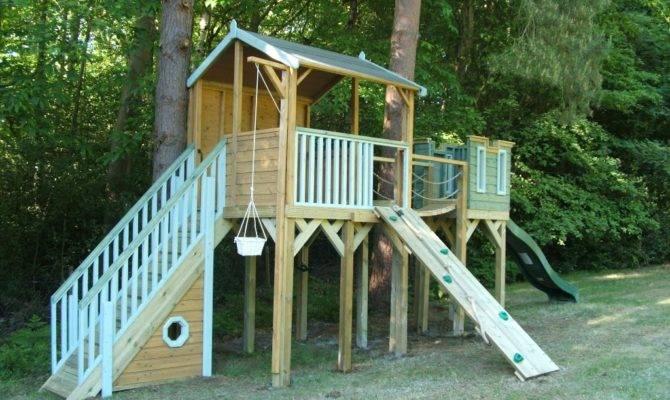 Childrens Tree House Wobble Bridge Treehouses