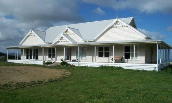 Classic Australian Farmhouse Wrap Around Verandah Love
