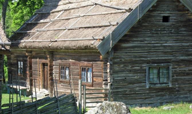 Colonial House Dwelling Kvek