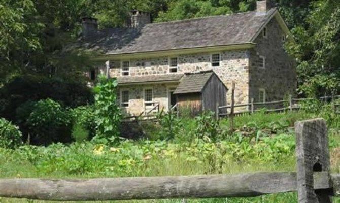 Colonial Pennsylvania Plantation Newtown Square Top