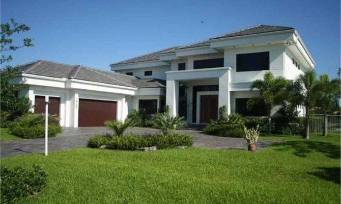 Contemporary Home Bdrms House Plan