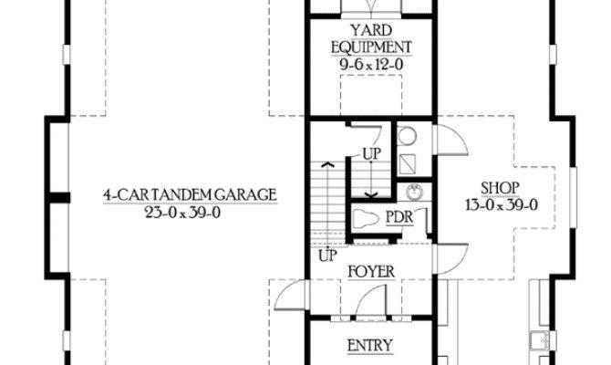 Cottage Like Garage Living Space Above