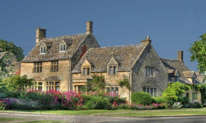 Country Cottage Style Cotswolds Region