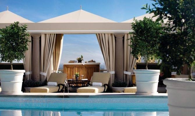 Current Luxury Garden Design Home