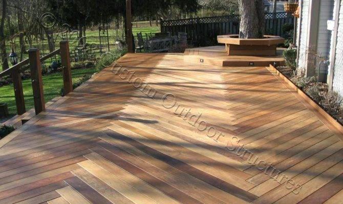 Custom Made Decks Using Cedar Composite Materials
