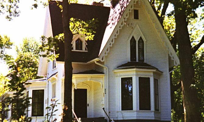 Dave Victorian House Illinois