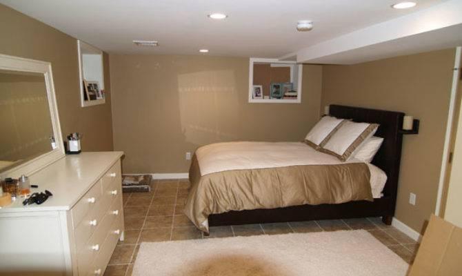 Decorate Spacious Basement Bedroom