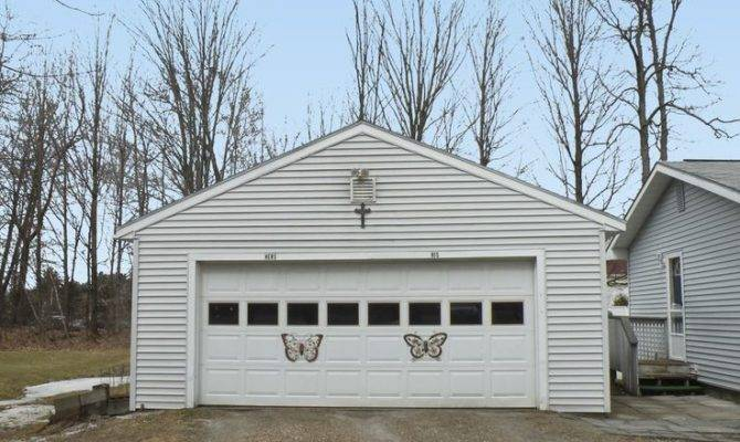 Detached Car Garage