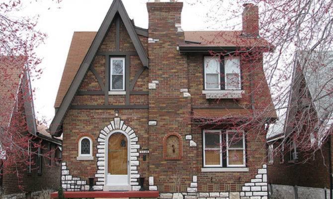 Dotage Louis Tudor Revival Historic District