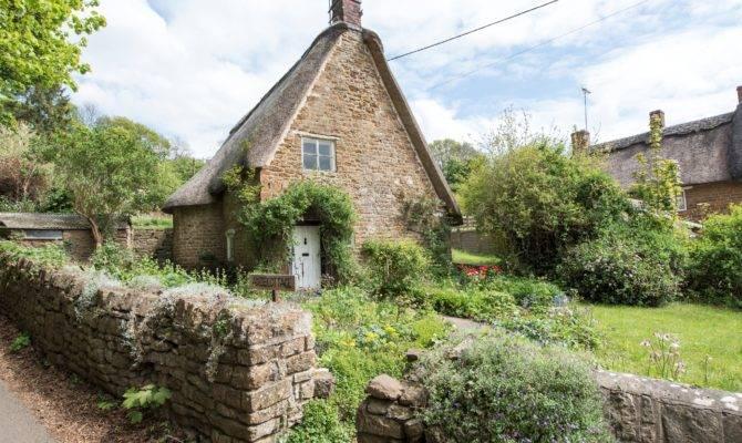 Dreamy Cotswold Cottages Sale Properties