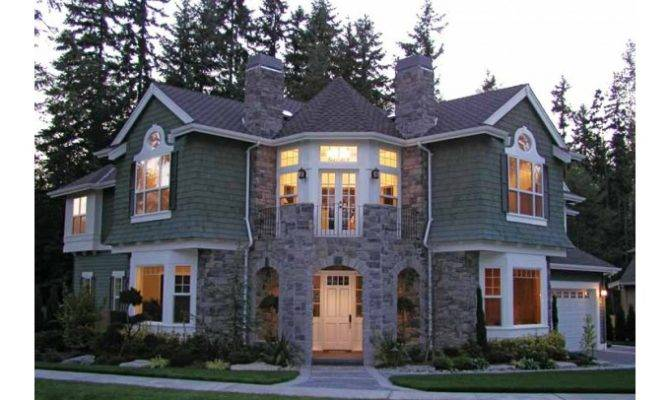 Eplans Craftsman House Plan Spectacular Home Corner Lot