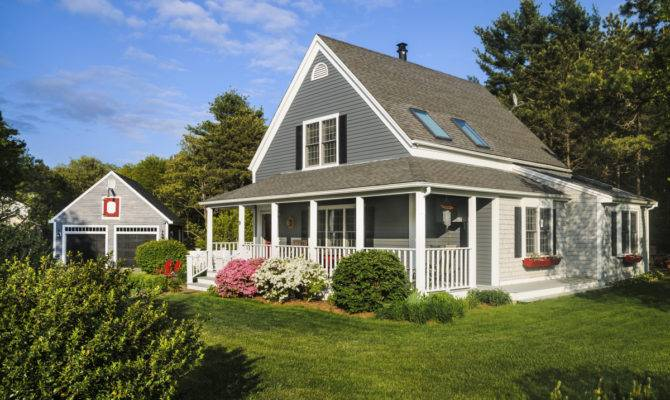 Features Cape Cod Style Houses