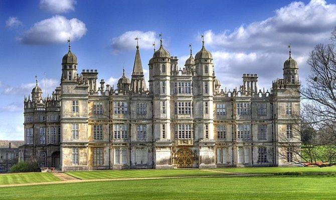 Front Burghley House Wikimedia Commons
