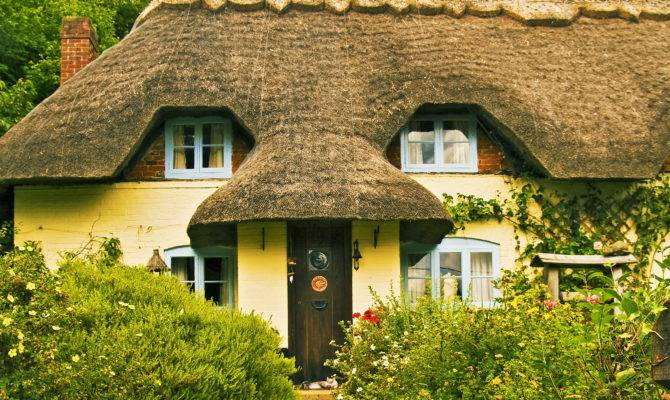 Gorgeous English Thatched Cottages Britain